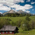 Pohlad na hrebeň Belianskych Tatier zo Ždiaru Zdroj: http://www.panoramio.com/photo/36634712 Foto: p. Kasanický