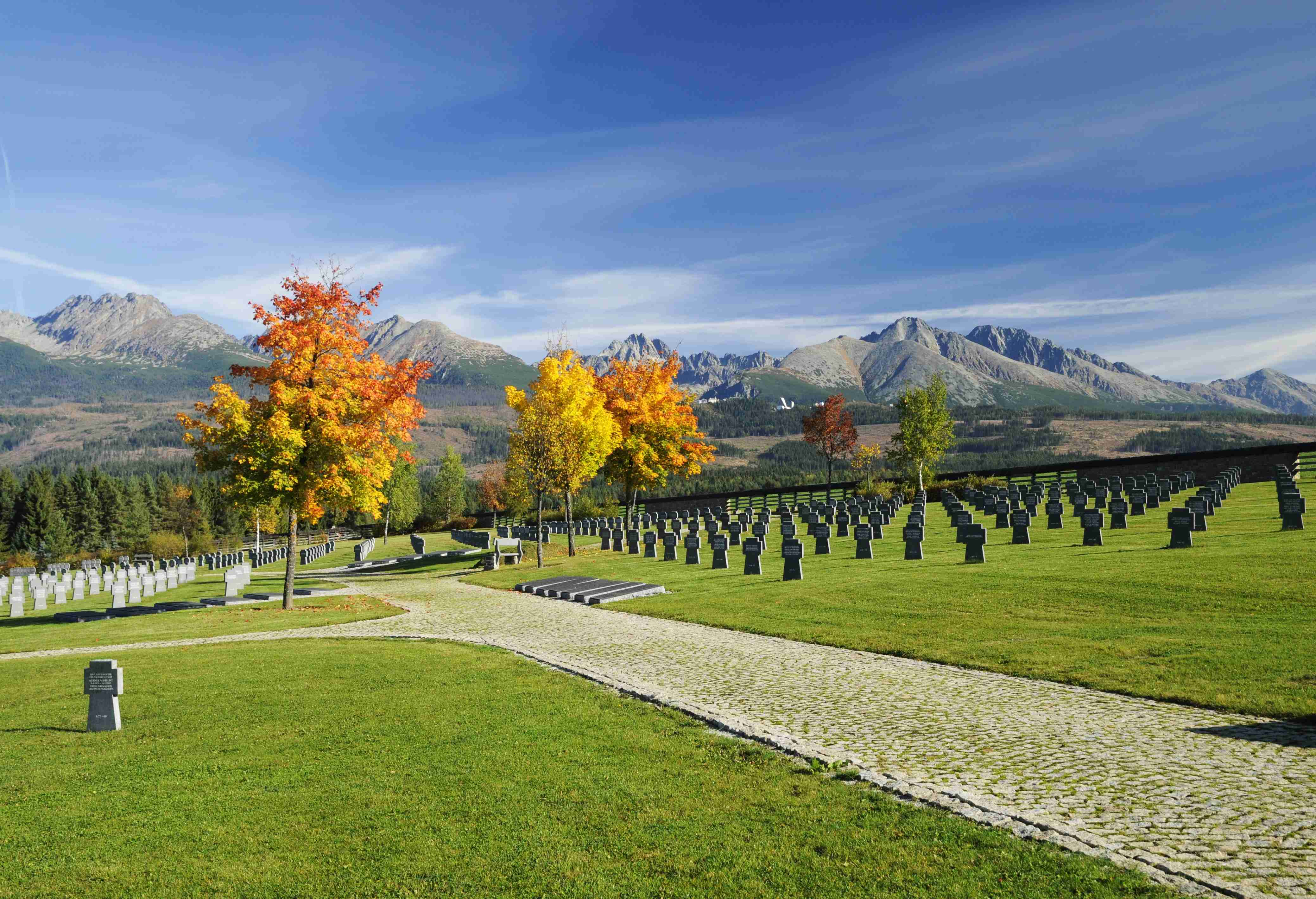 Vojenský cintorín / military cemetary Važec Source: //http://www.ephoto.sk/